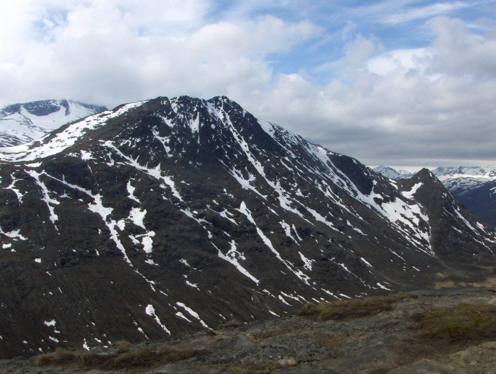 Bukkehåmåren sett fra Knutshøe.