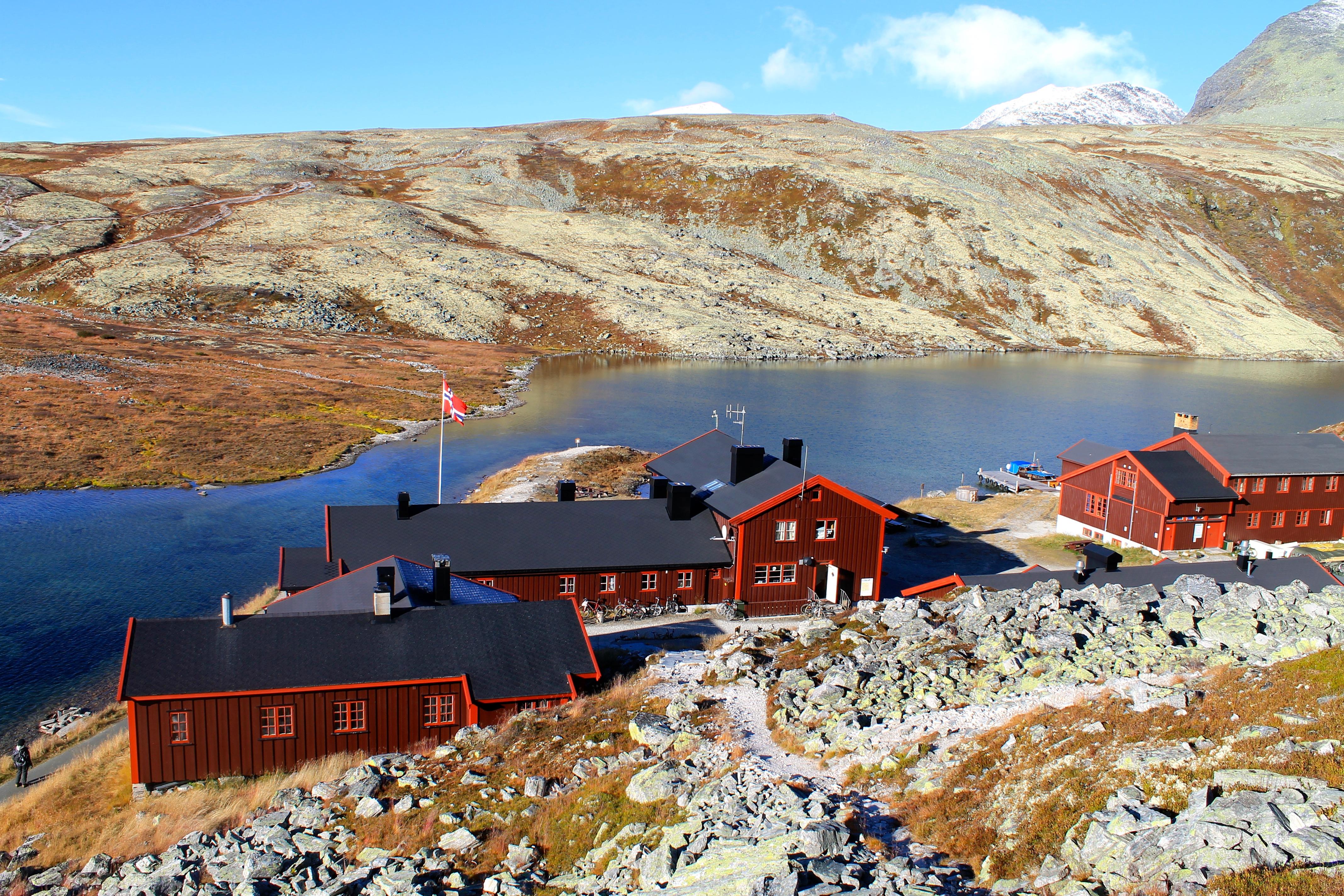 Rondvassbu - en av DNT´s betjente turisthytter i Rondane.