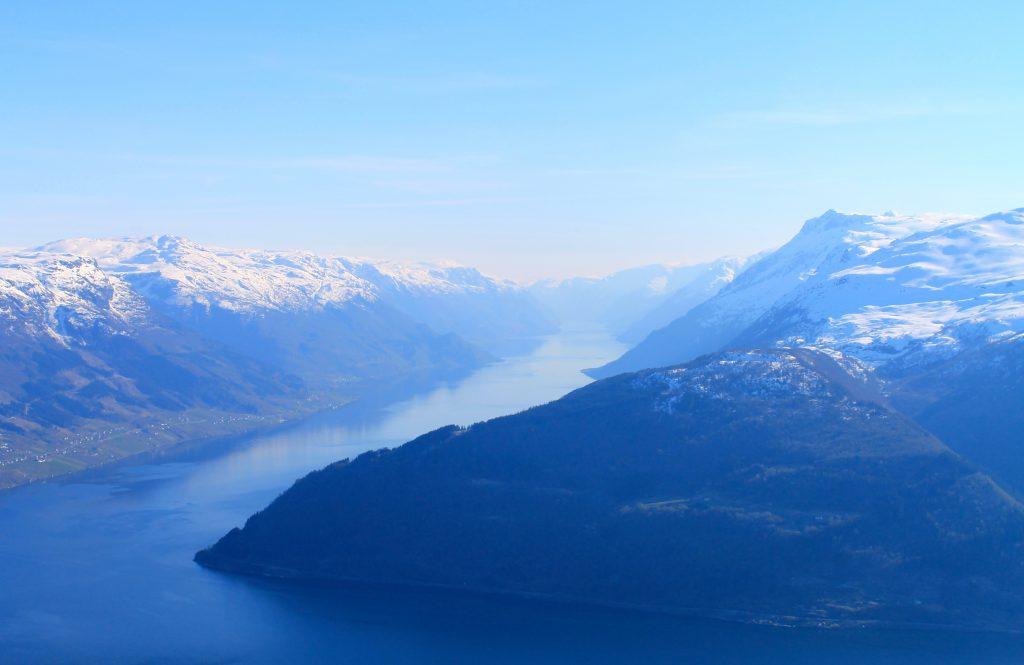 Utsikt mot Sørfjorden fra Oksen.
