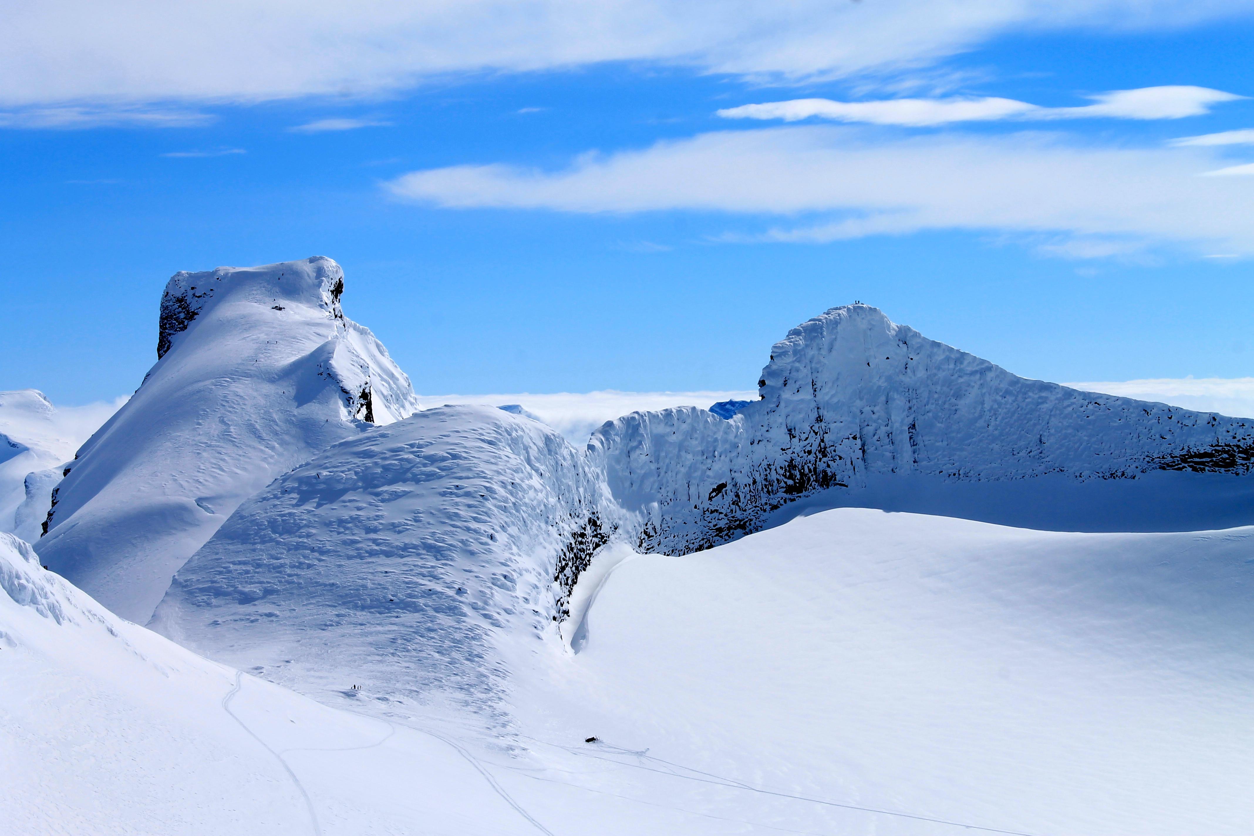 Storebjørn med Bjørnungene og Veslebjørn sett fra Kniven (2.133 moh).