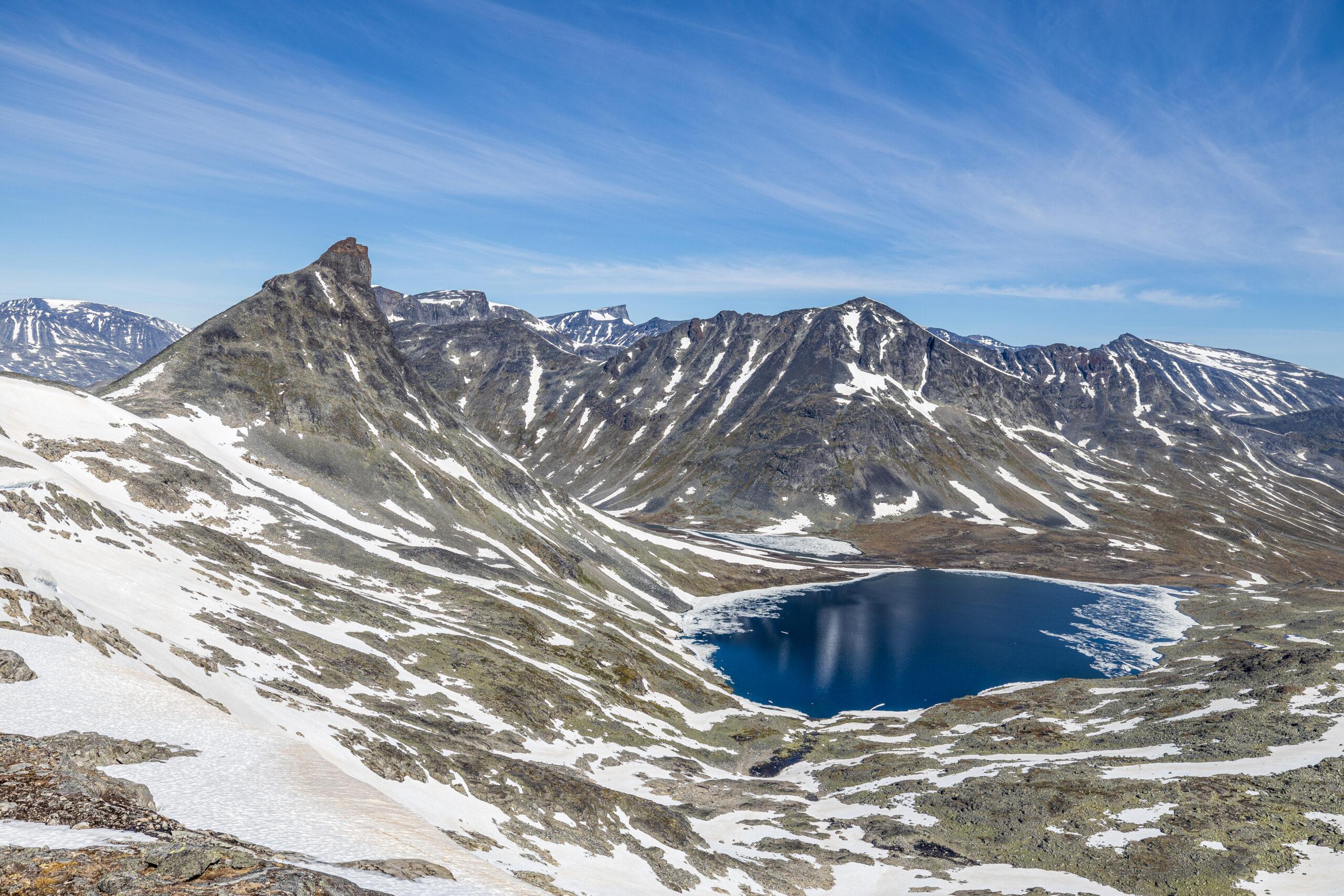 Kyrkja (2.032 moh) er en fin topptur midt i Jotunheimen.