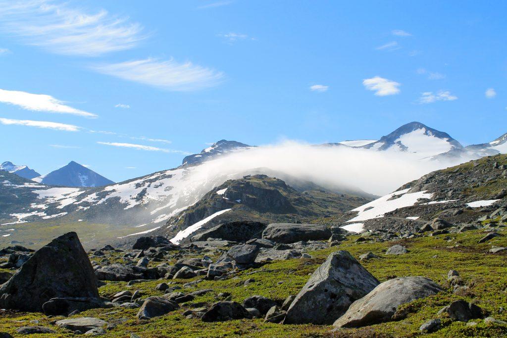 Tåken letter ved Leirvassbu.