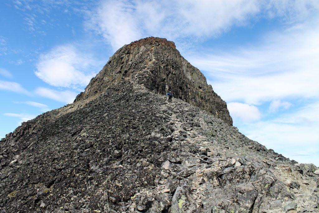 Siste stykket opp mot toppen av Kyrkja.
