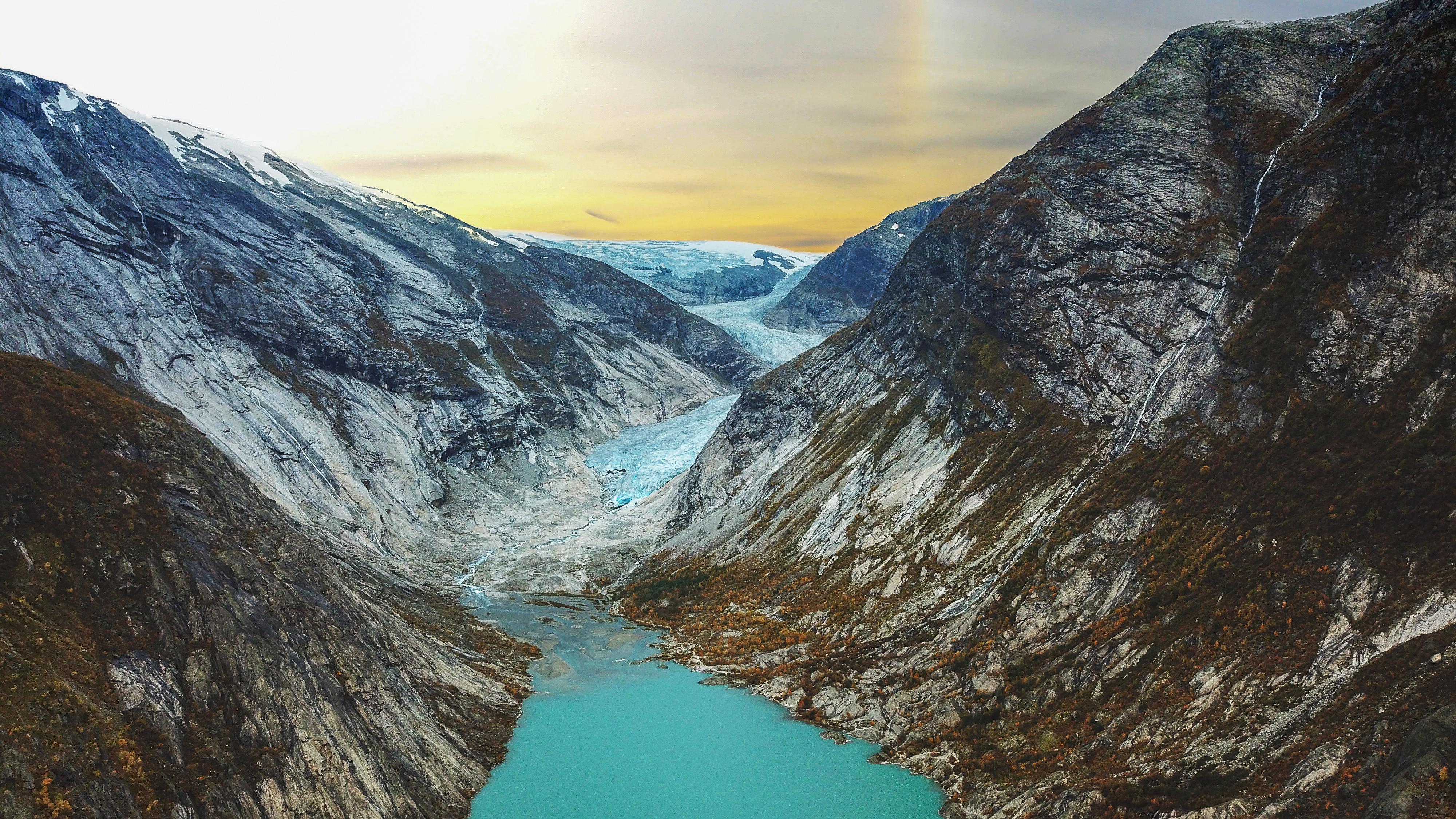 Jostedalsbreens flotte brearm Nigardsbreen i Jostedalen.