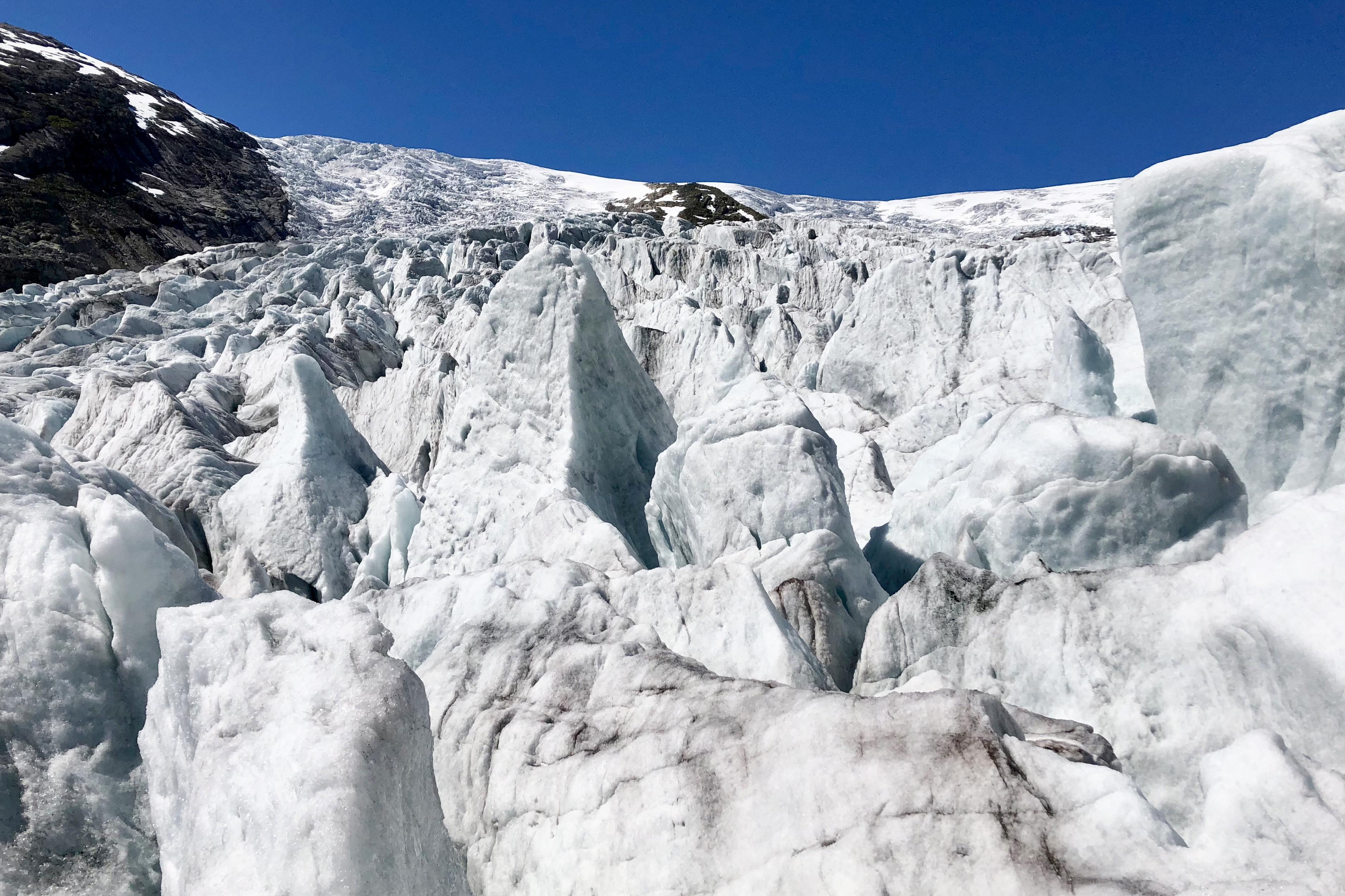 I isen på Nigardsbreen