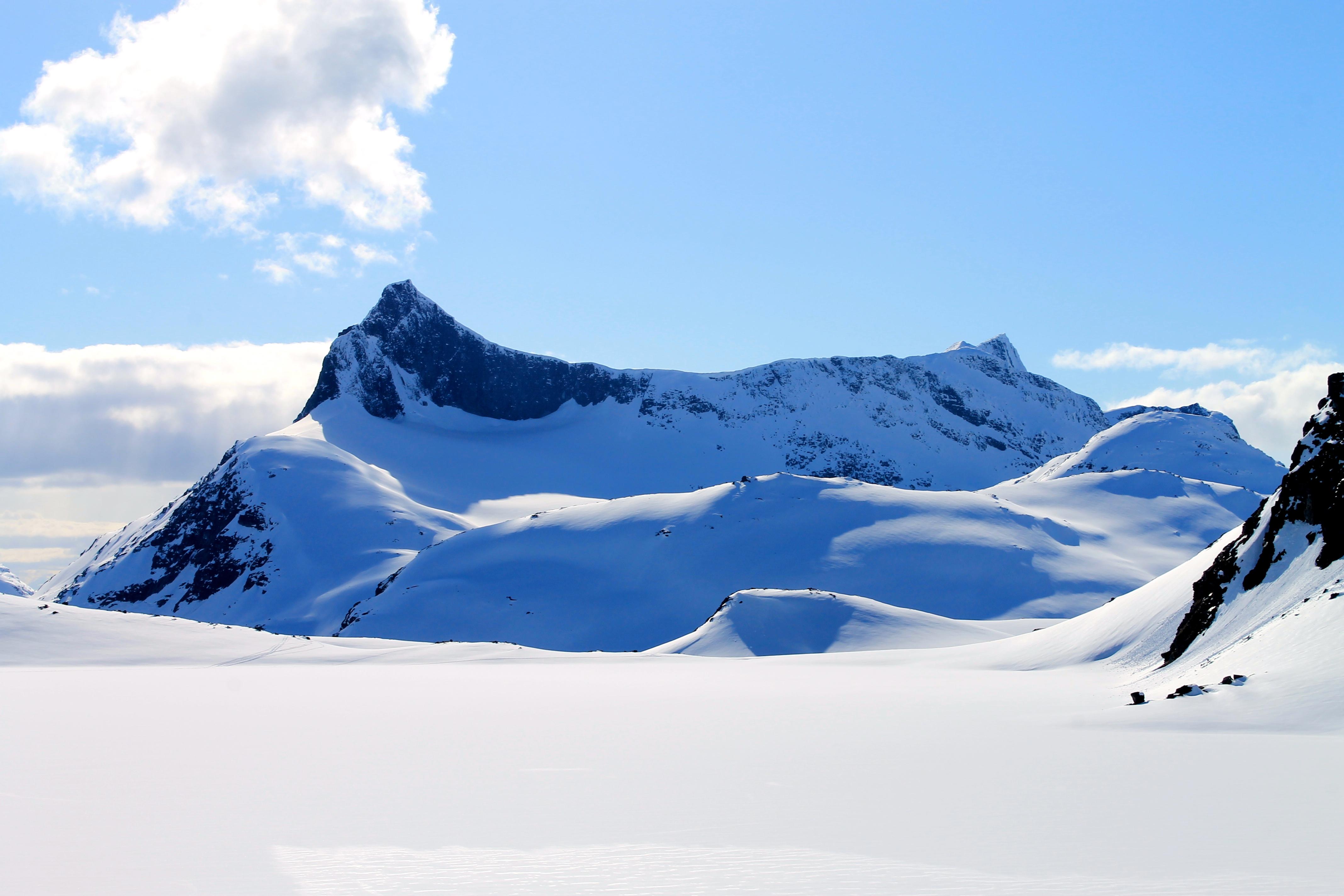 Falketind er en luftig, bratt og krevende topp i Jotunheimen.