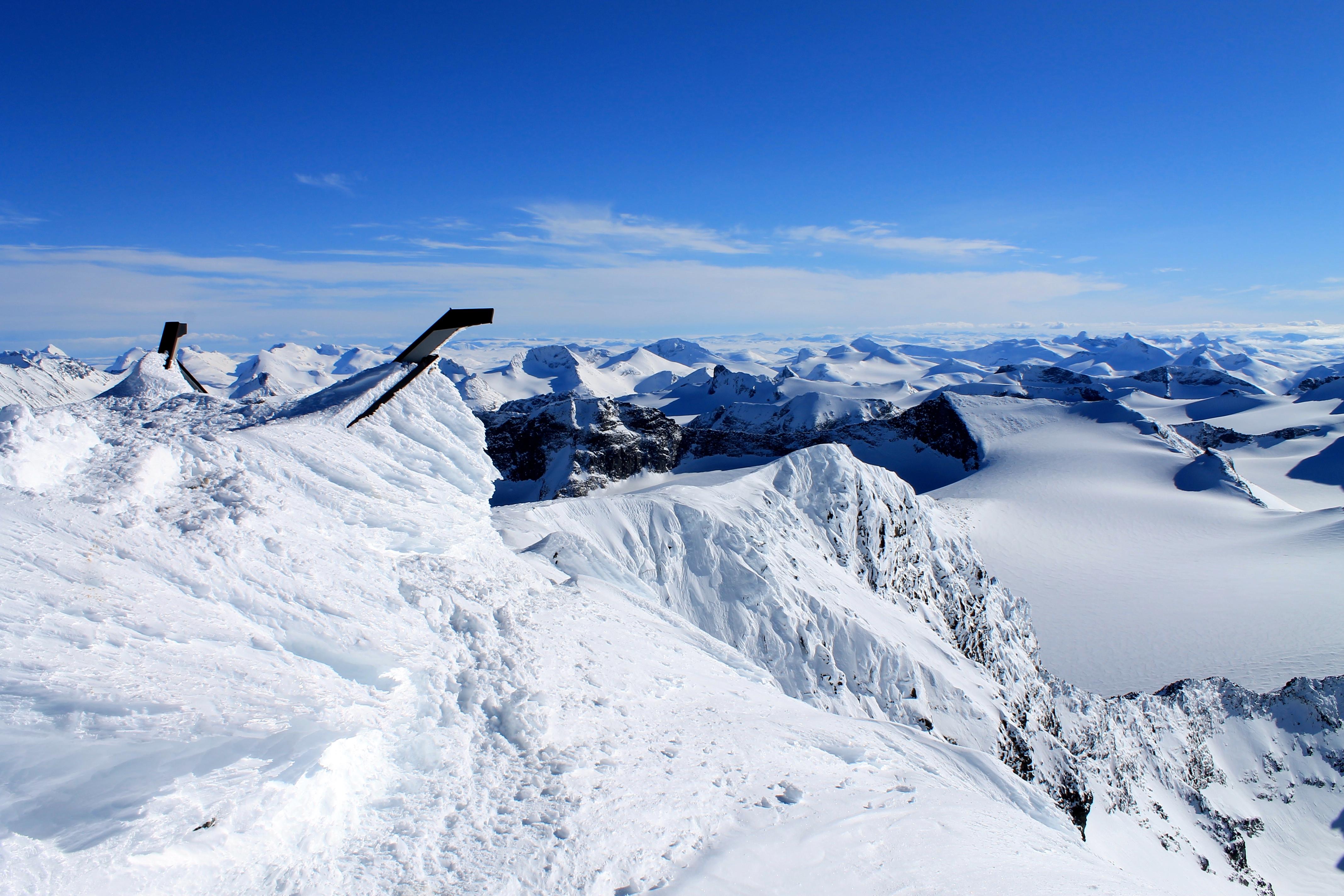 Galdhøpiggen er en flott topptur fra Spiterstulen og vinterstid kan du være heldig og få toppen for deg selv.