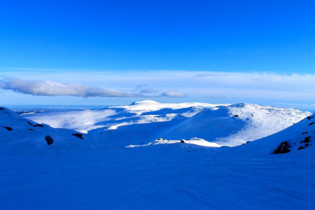 Høgevarde og Norefjellsryggen sett fra Gråfjell.