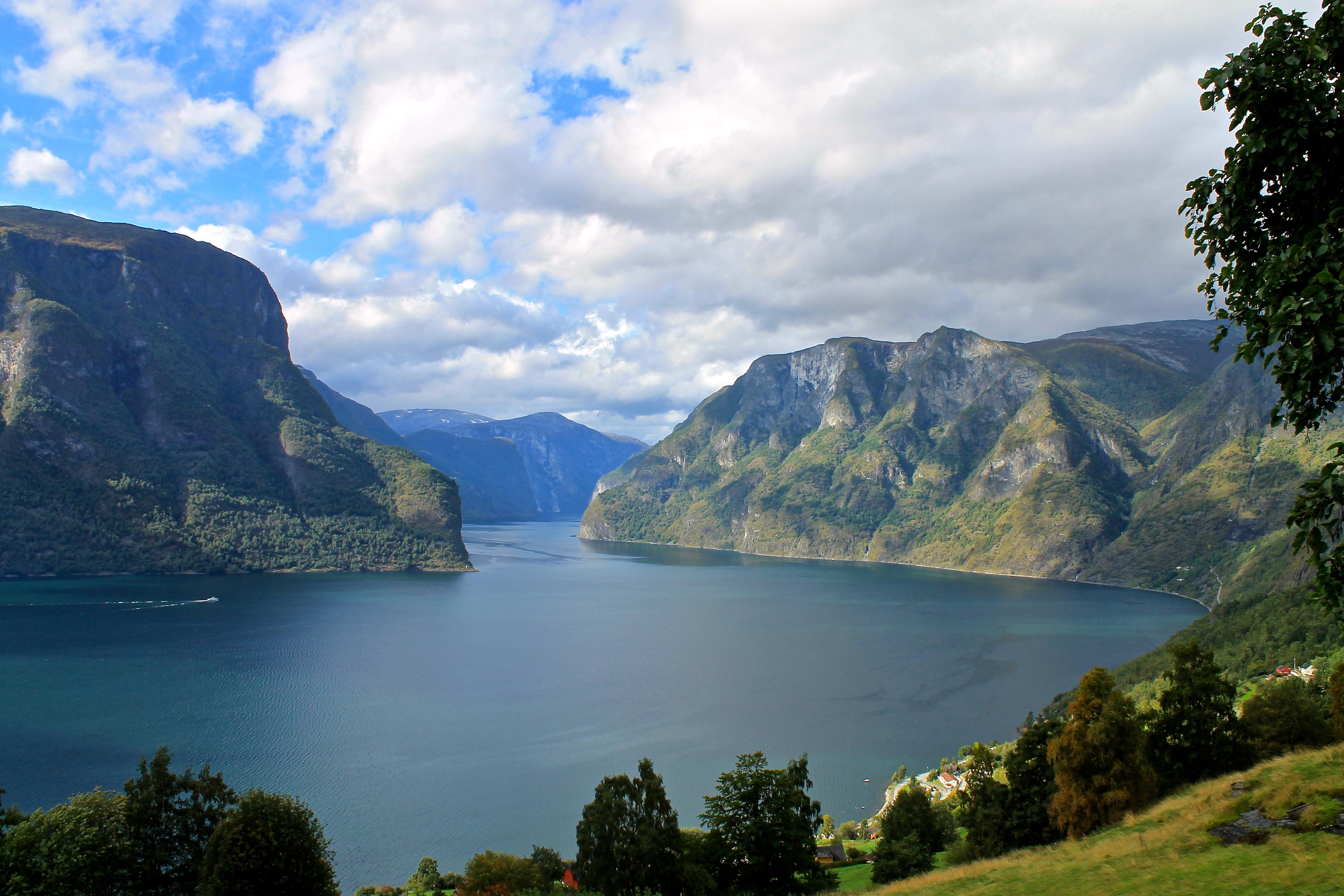 Idylliske Aurlandsfjorden.