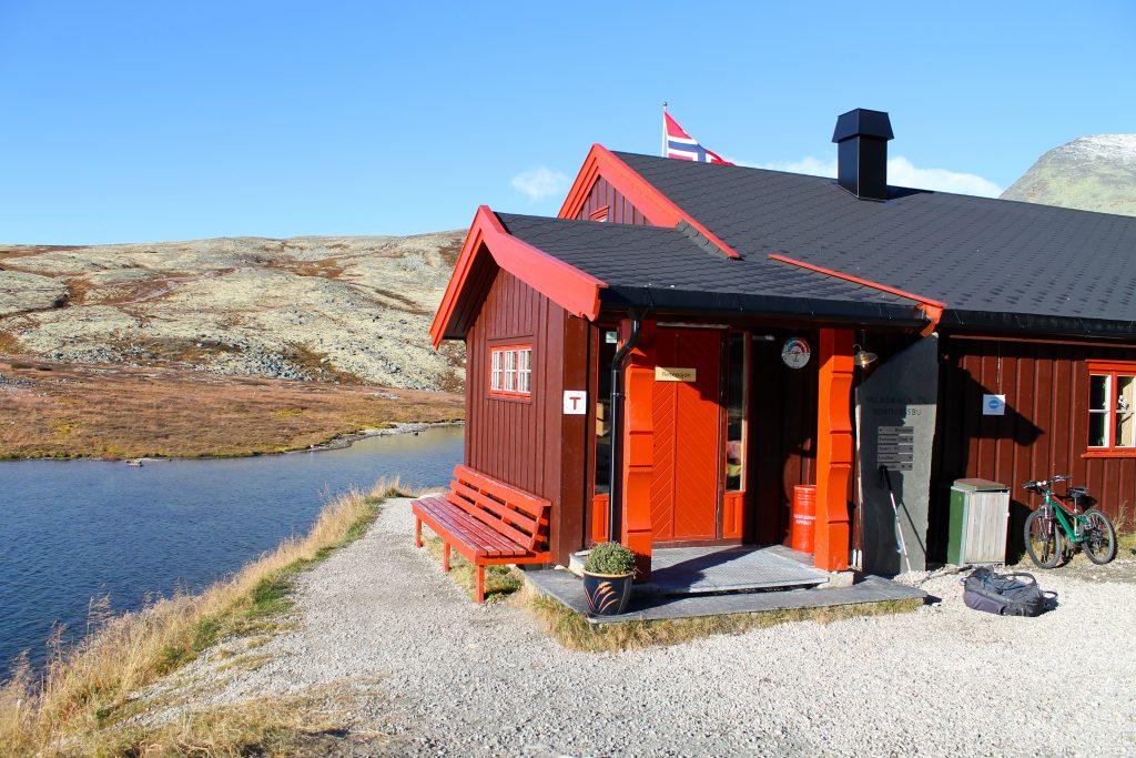 Rondvassbu er et godt utgangspunkt for tur til Rondsslottet.