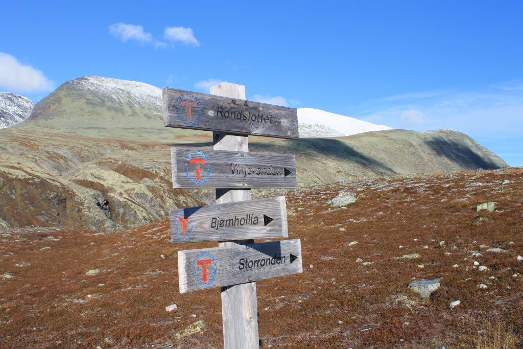 Rondane er et fint område for både toppturer og hytte-til-hytte turer.