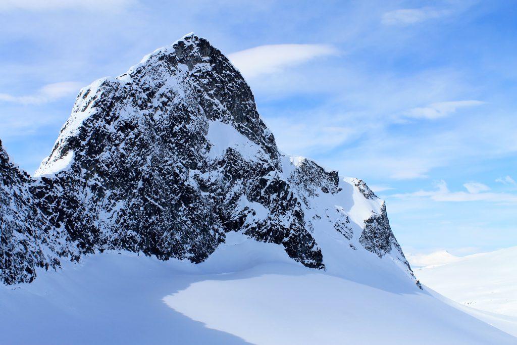 Store Smørstabbtinden (2.208 moh) sett fra Storebrean.