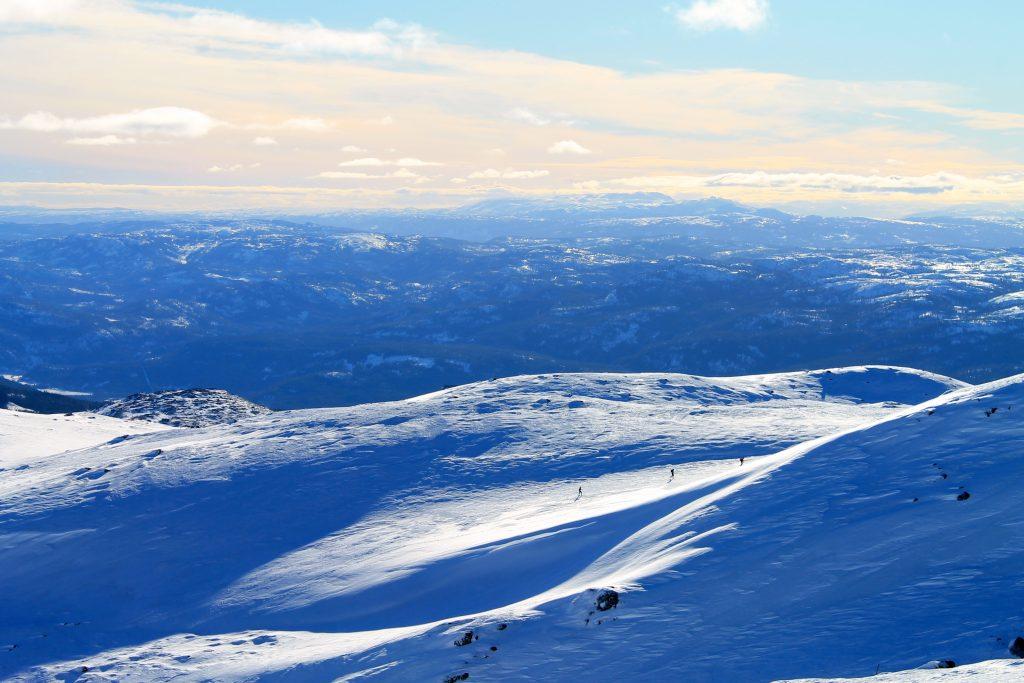 Hallingdalsløypa er en merket rute som går over Norefjellryggen.
