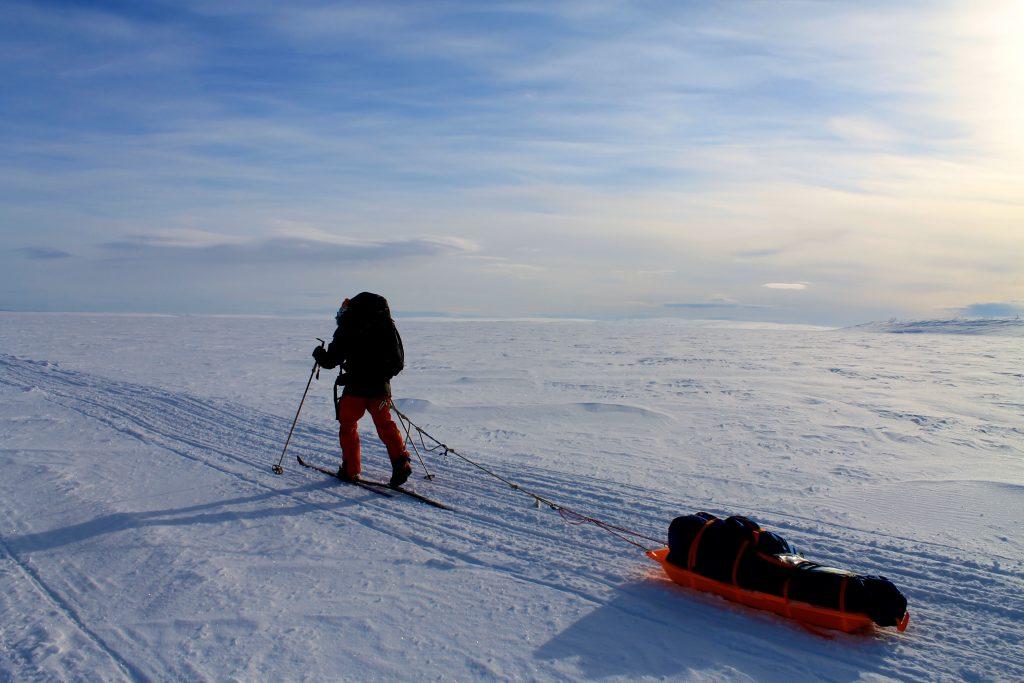 På vei over Iešjávri, Finnmarks største vann.