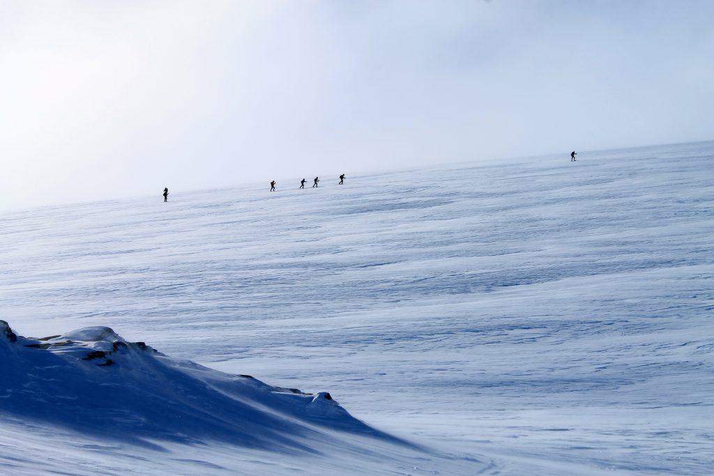 På vei opp mot Jøkulhytta og breplatået til Hardangerjøkulen.