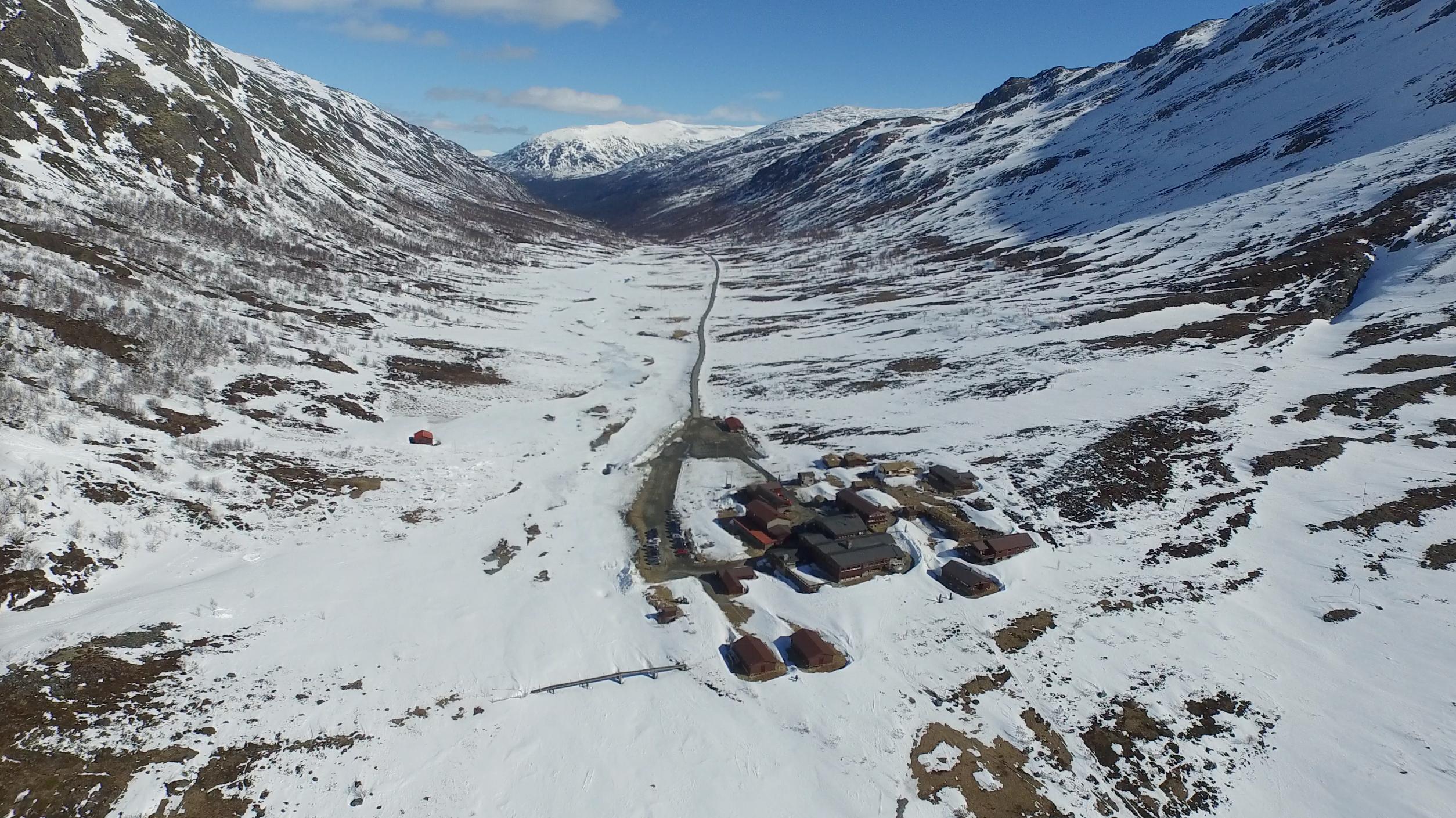 Spiterstulen i Visdalen. 17 av Norge´s 26 tinder høyere enn 2.300 moh kan bestiges på dagstur herfra.