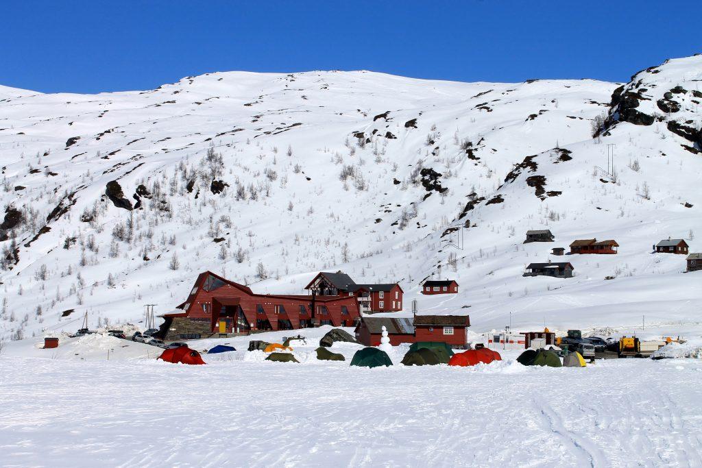 Turtagrø er et bra utgangspunkt for turer og klatring i Hurrungane.