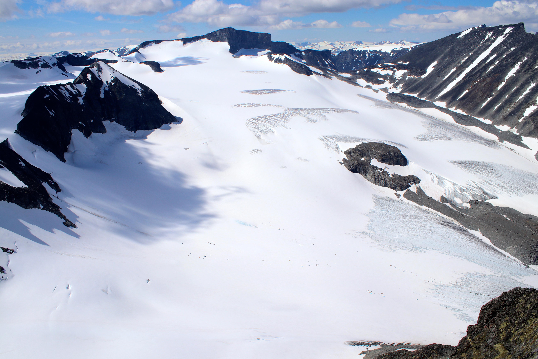 Utsikt over Tverråbrean fra Styggehøe (2.213 moh).