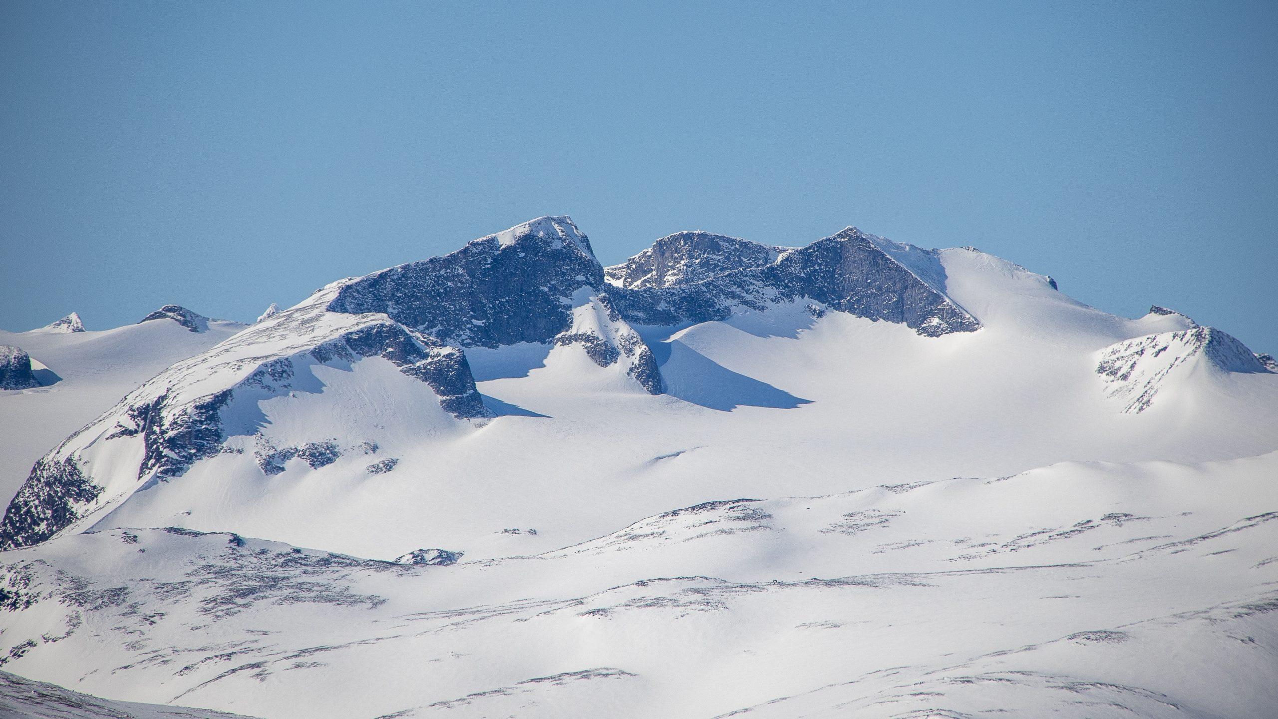 Tverråtindan vinterstid - her sett fra Glittertinden.