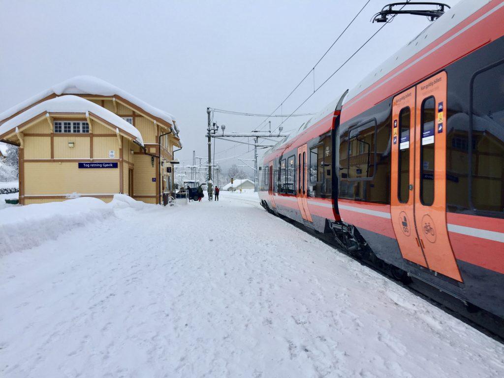 Grua stasjon i Oppland er et fint utgangspunkt for Nordmarka på langs på ski.