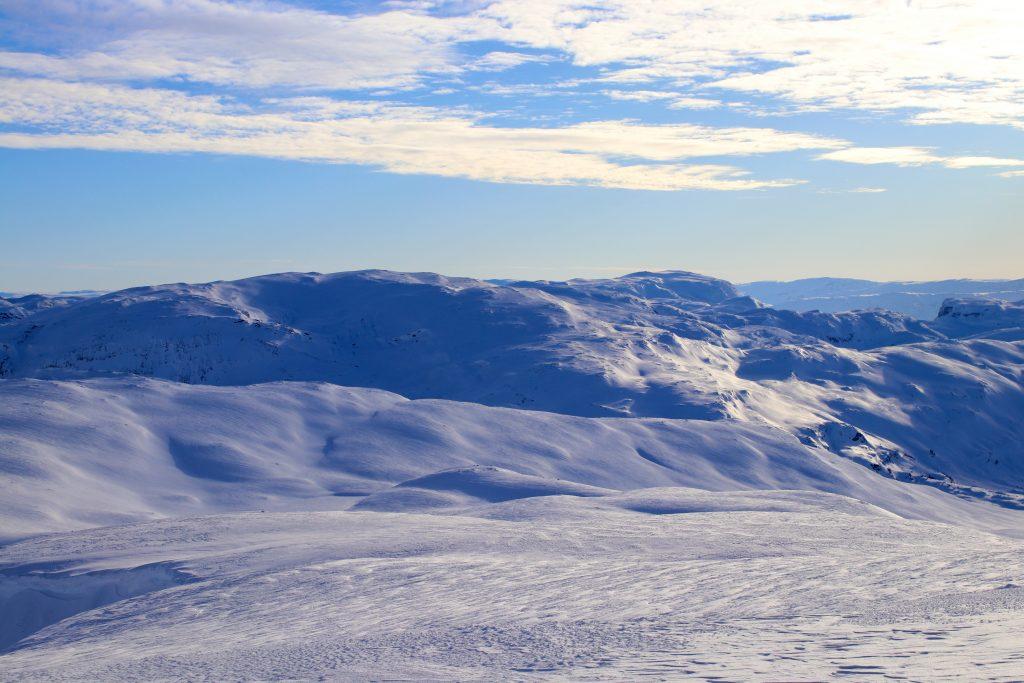Øykjafonn (1.604 moh) sett fra Fossdalsskavlen (1.551 moh).