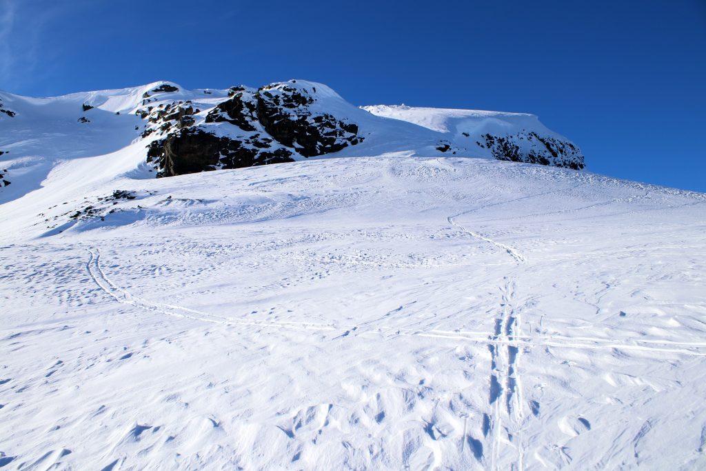 På vei opp mot Blåbergsnuten og Blåbergi.