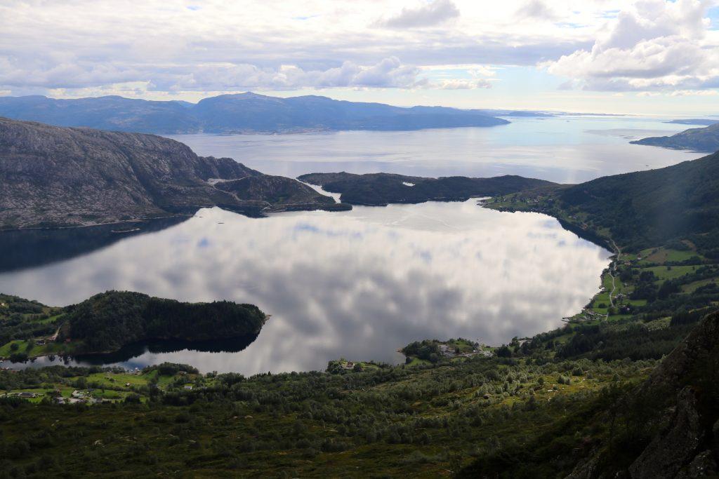 Lifjorden og Sognesjøen.