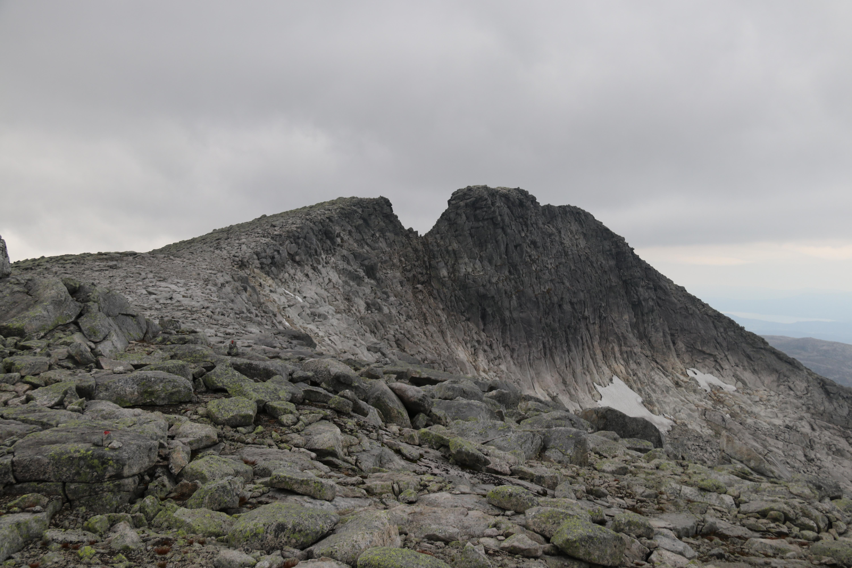 Gygrastolen er en alpin og luftig topp blant Rosendalsalpene.