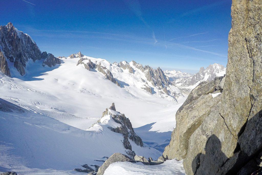 Utsikt fra Petit Flambeau mot Aiguille du Midi.