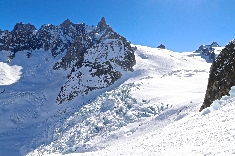 Séracs du Géant er et oppsprukket brefall i nedre del av Vallée Blanche.