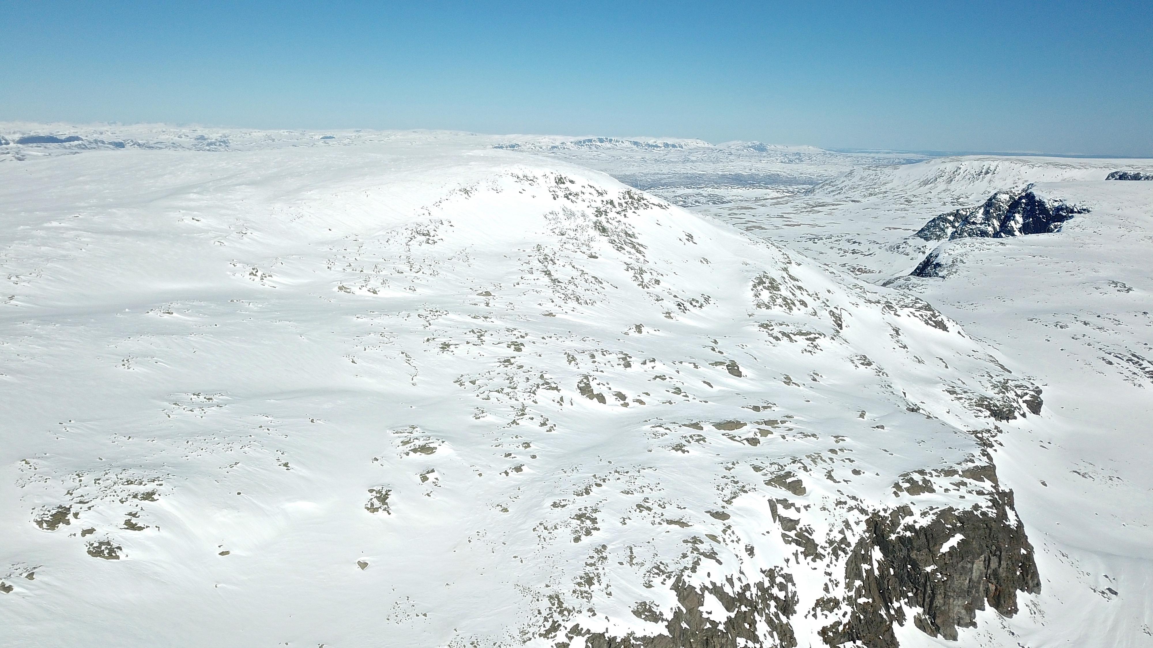 Toppen av Folarskardnuten (1.932 moh) er Hallingskarvet høyeste punkt.