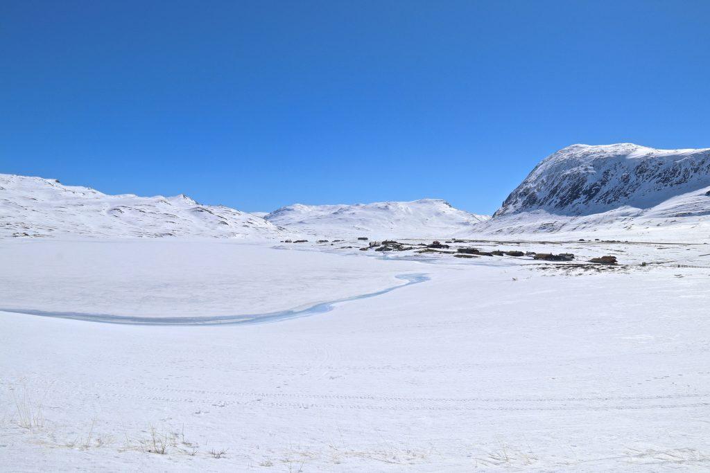 Osen ved Eldrevatnet på Hemsedalsfjellet er et fint utgangspunkt for turer opp til Høgeloft (1.921 moh).