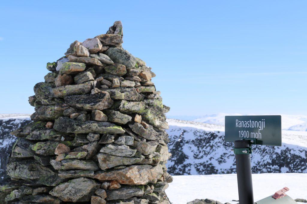 Toppen av Ranastongi (1.900 moh) regnes for å være midten av Sør-Norge