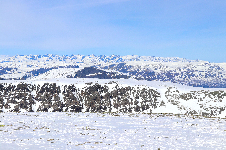 Utsikt mot Gjendealpene fra Ranastongi, med Galdeberget i vest og Rasleitnden i øst.