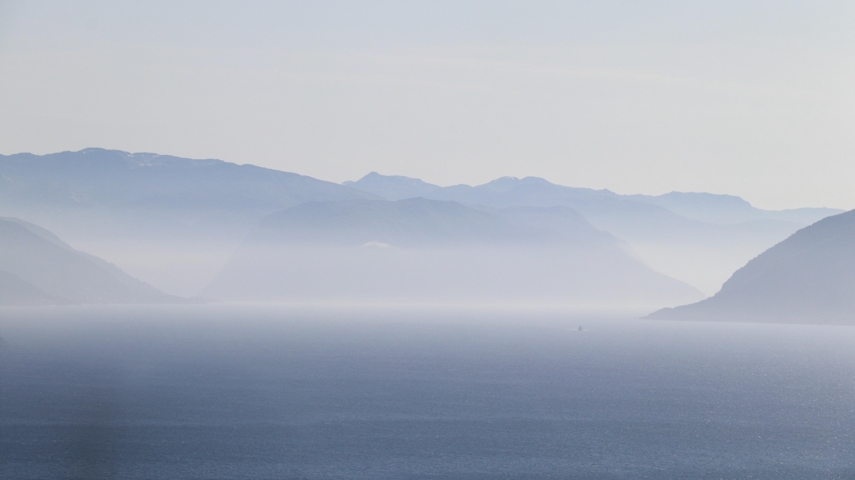 Morgendis på Sognefjorden, landets lengste fjord.