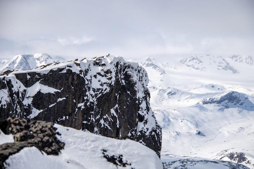 Fint utsiktspunkt nordvest for toppen av Høgdebrotet, som er verdt en omtur.
