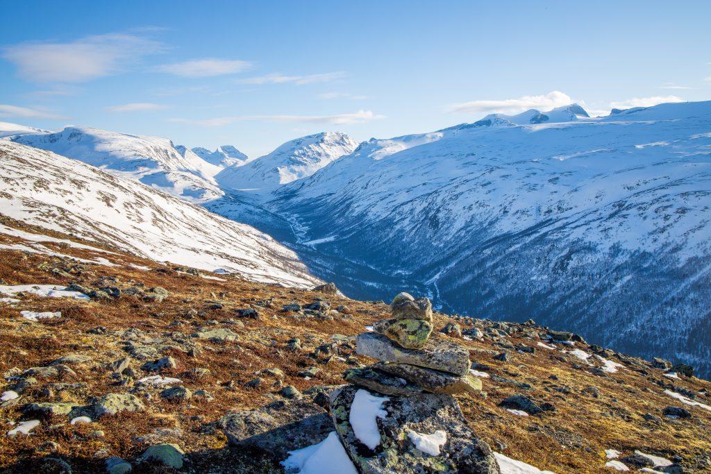 Utsikt fra Gokkeroksle inn Visdalen mot Spiterstulen og Jotunheimens majestetiske tinder.