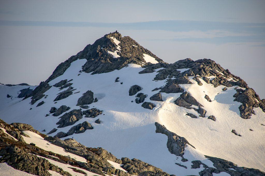 Solnuten (1.551 moh) på Folgefonnhalvøyen høyt over Sørfjorden.