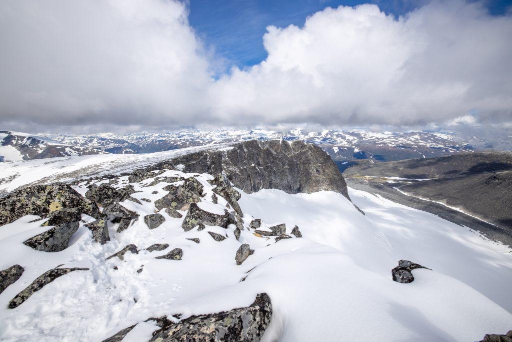 Dumhøe (2.182 moh) sett fra Skardstinden.