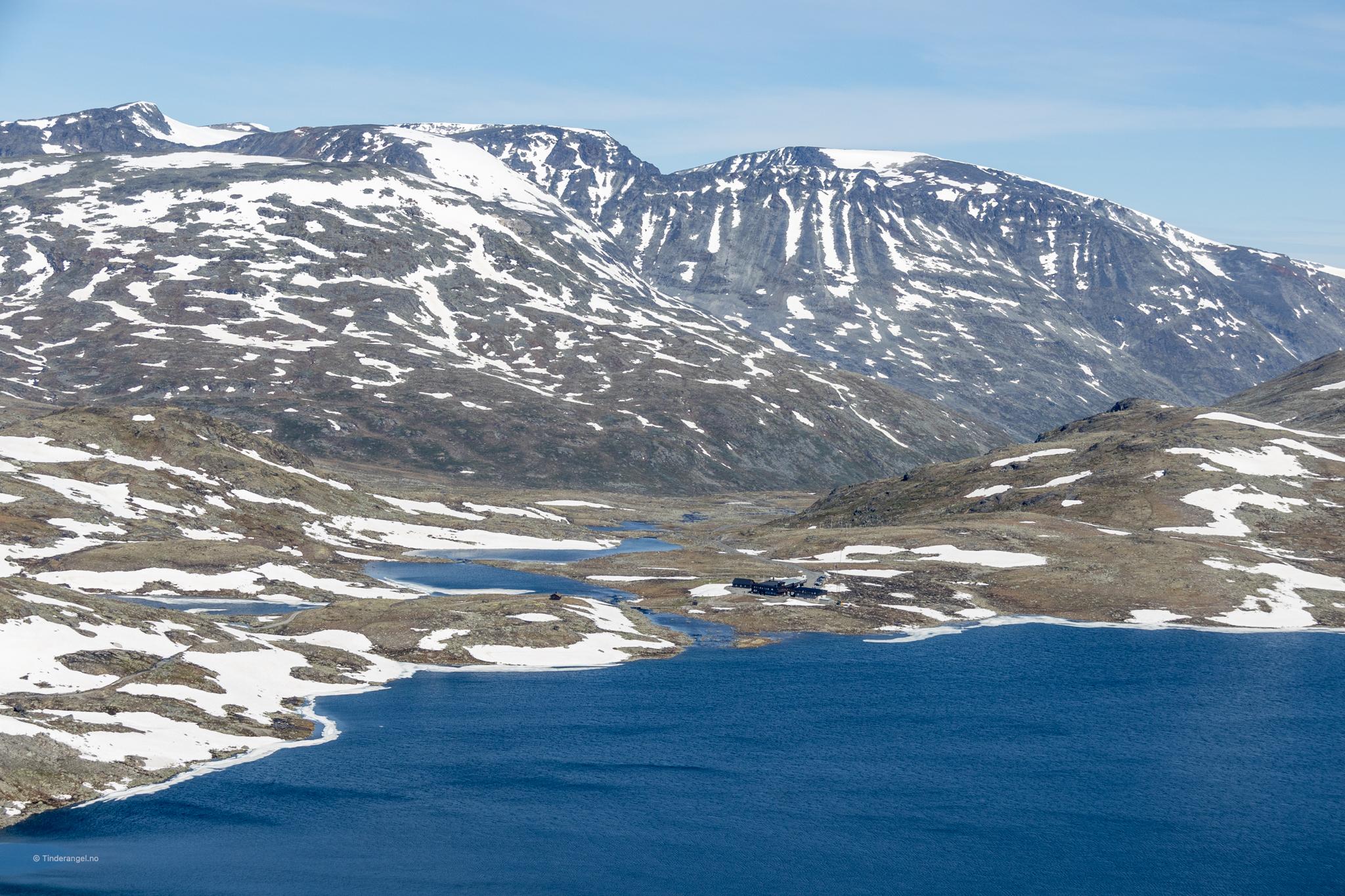 Leirvassbu er et fint utgangspunkt for turer inn i den midtre delen av Jotunheimen.