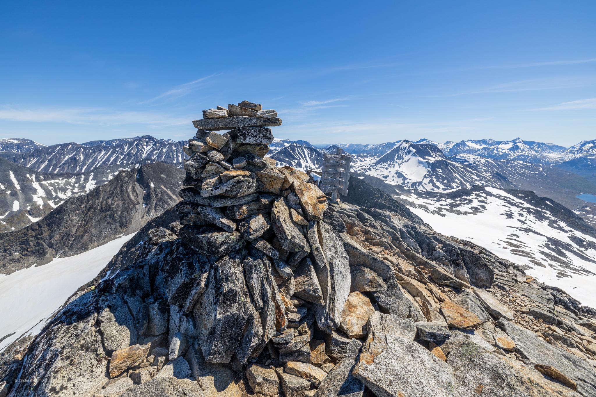 Toppvarden på Visbretinden (2.234 moh).