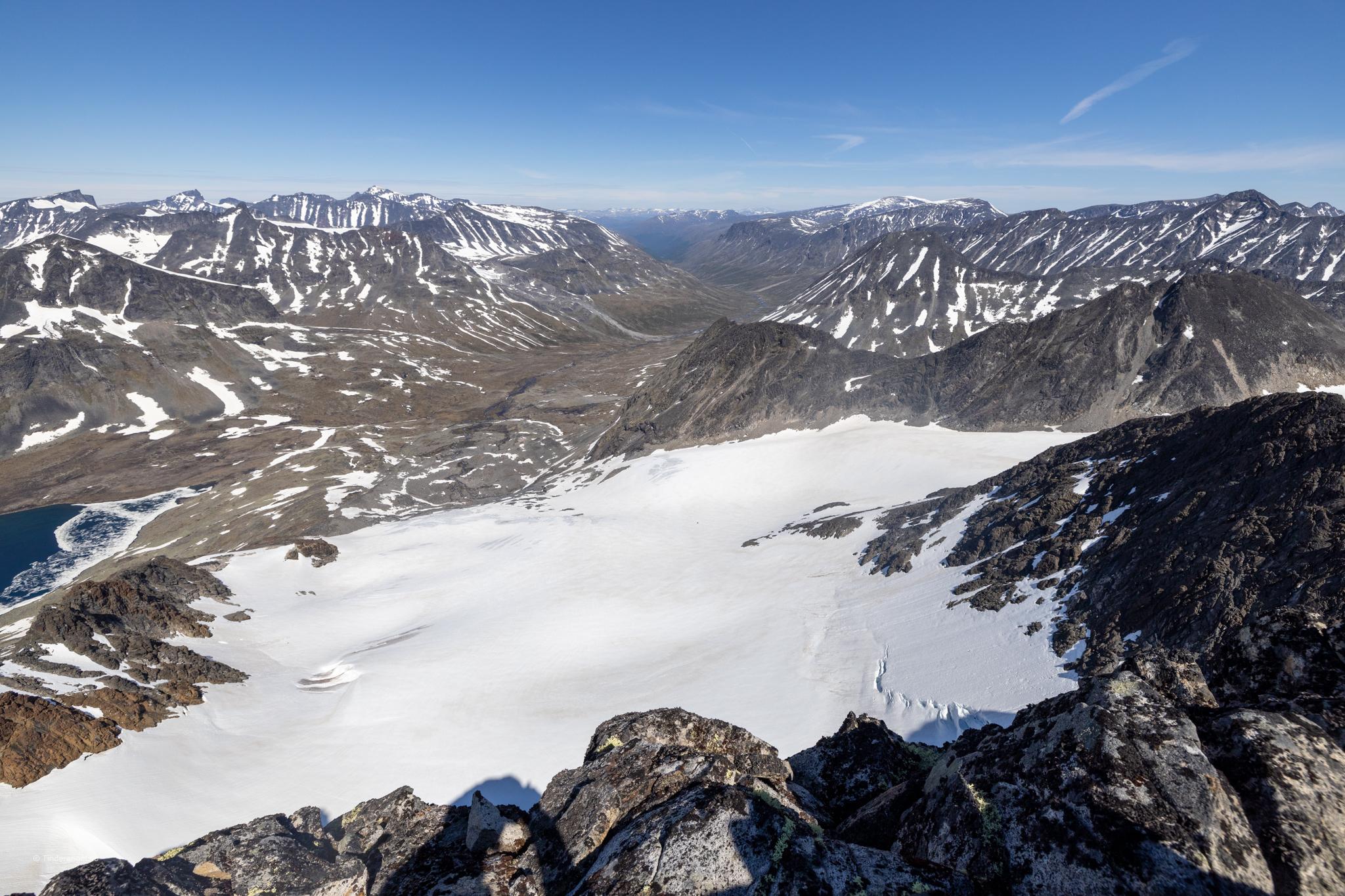 Visbrean og Visdalen sett fra toppen av Visbretinden