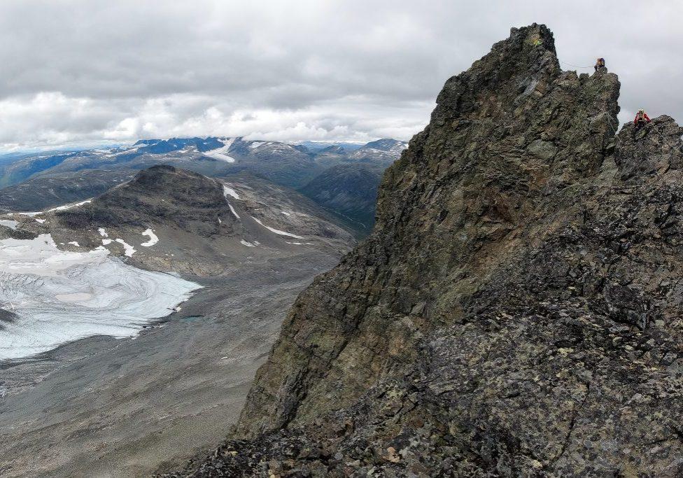 Luftig parti opp mot toppen av Sagi (2.040 moh).