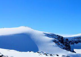 Rasletinden (2.010 moh) er en mye gått topptur fra Valdresflye.