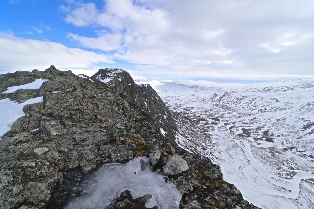 Fjellryggen Knutshøe i Jotunheimen er en fin og forholdsvis kort tur.