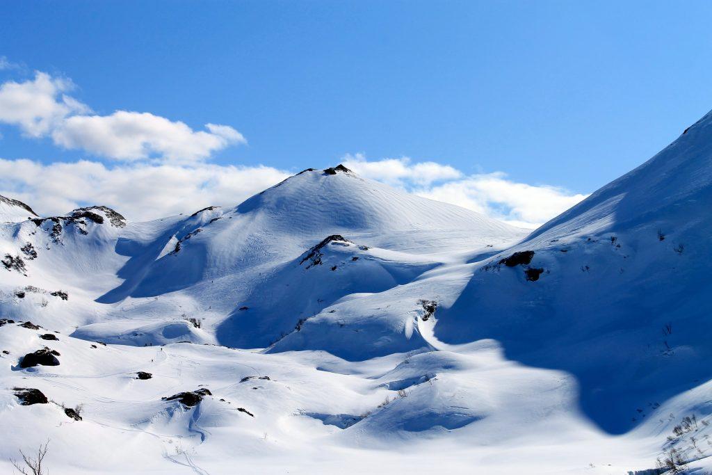 De fleste velger ruten til Tveitakvitingen via Mødalen og Såta (802 moh)