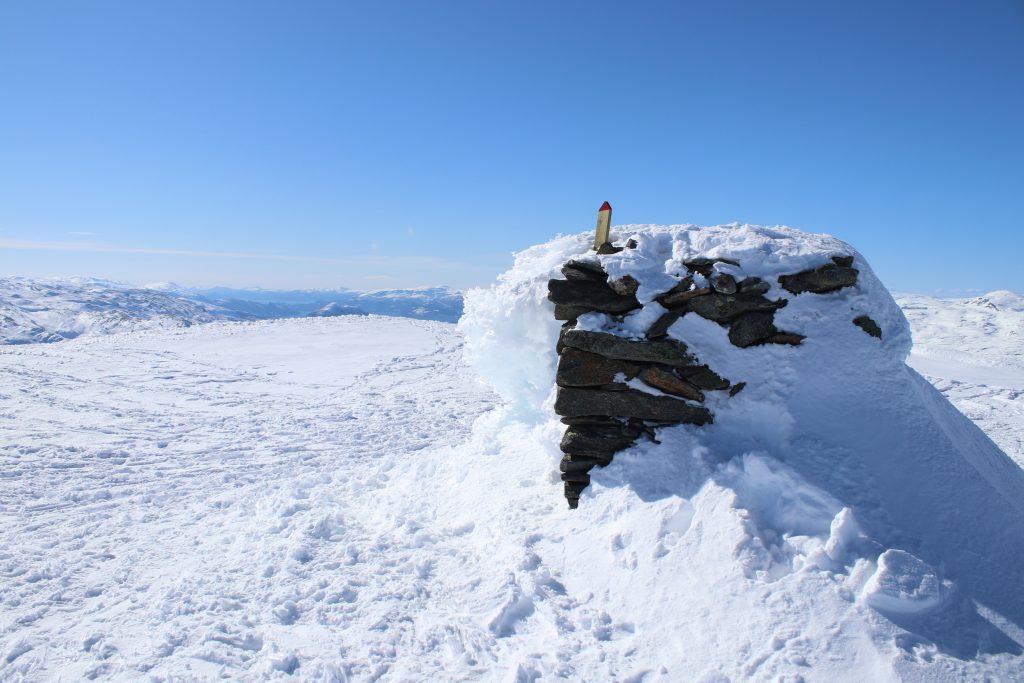 Toppvarden på Oksen (1.241 moh) i Hardanger.
