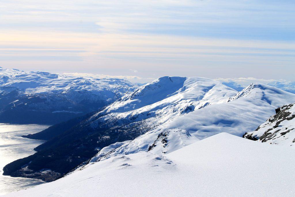 Hva med en tur innom nabotoppene Oksen og Ingebjørgfjellet?
