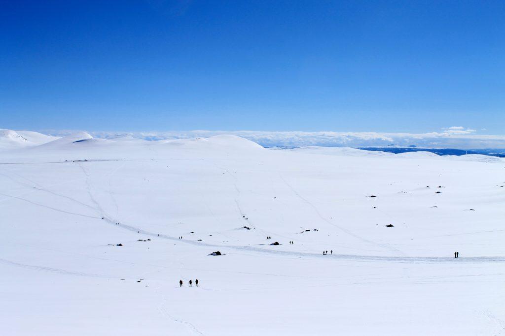 Rasletinden er en populær topptur med svært lang sesong. Her fra Valdresflye.