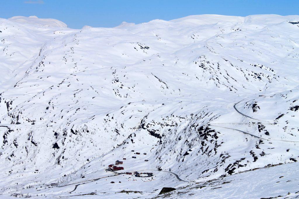 Beste utgangspunkt for topptur opp Dyrhaugsryggen er fra Turtagrø.